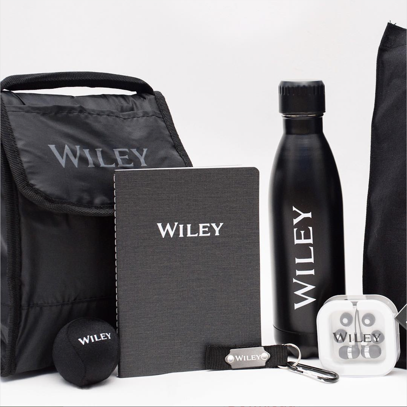 "<img src=""WileyOnboardingKit.jpg"" alt=""Wiley Onboarding Kit for New Hires New Employees Logo Branded Custom"" title=""Wiley Custom Logo Onboarding Kit"">"
